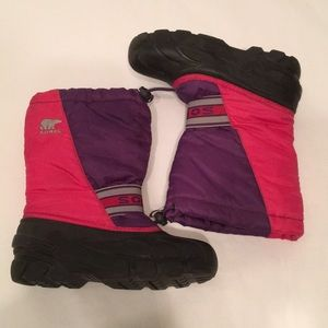 Sorrel Women's Insulated pink snow boots 4